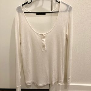 White long sleeve shirt with buttons